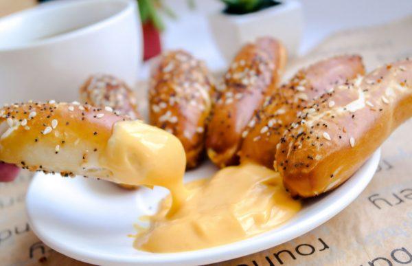 Pretzel Bites'n Jalapeno Cheese Sauce